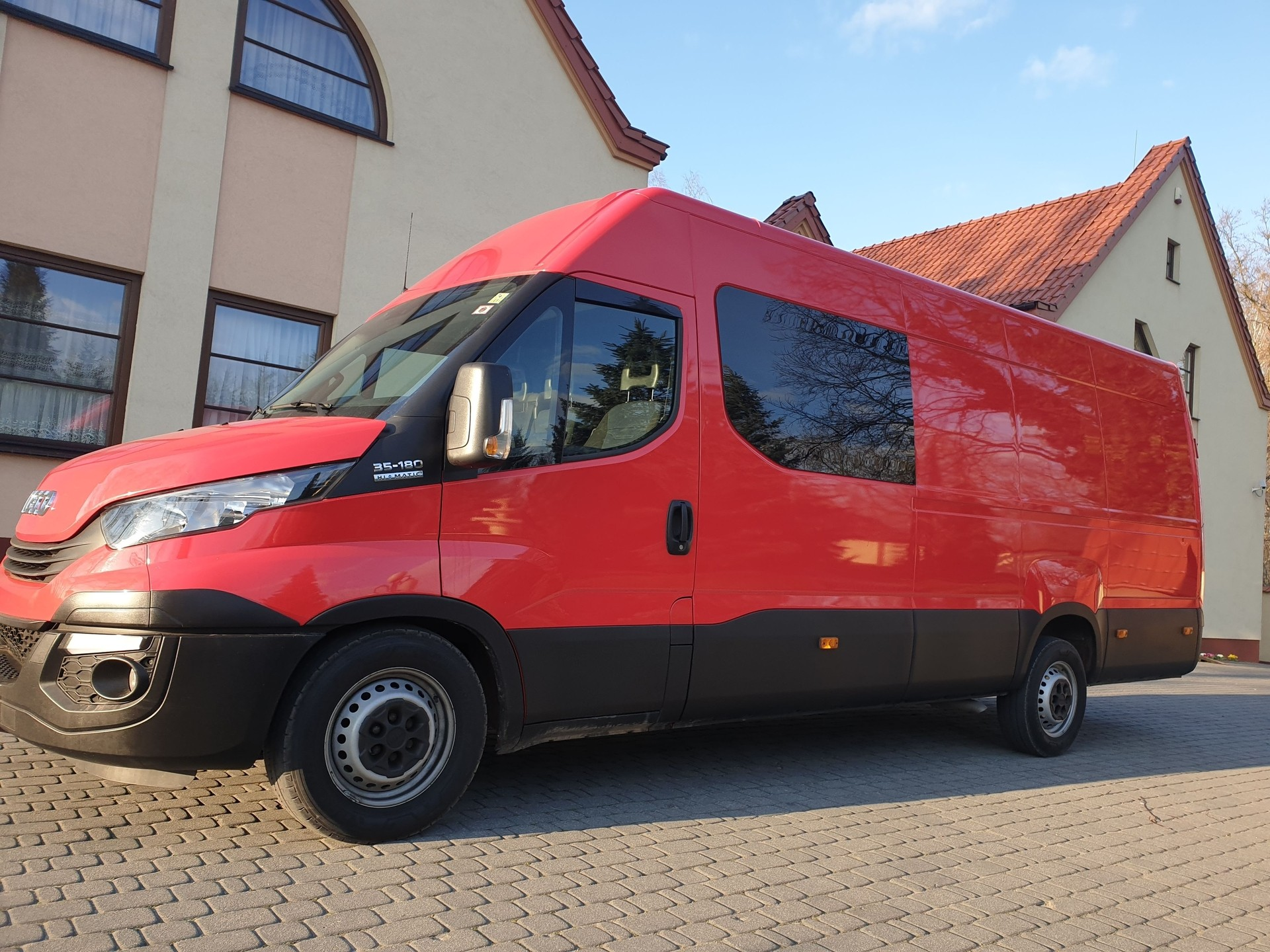 9-cio osobowy Bus Iveco Daily long 2017